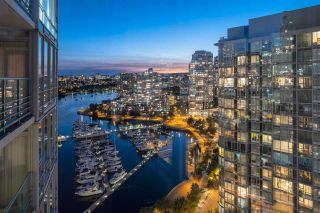 "Photo 20: 2601 1033 MARINASIDE Crescent in Vancouver: Yaletown Condo for sale in ""QUAYWEST"" (Vancouver West)  : MLS®# R2505008"