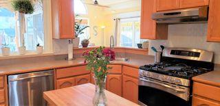 "Photo 8: 34778 6 Avenue in Abbotsford: Poplar House for sale in ""HUNTINGDON VILLAGE"" : MLS®# R2530537"