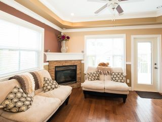 Photo 5: 4220 GLEN Drive in Vancouver: Knight 1/2 Duplex for sale (Vancouver East)  : MLS®# V991950