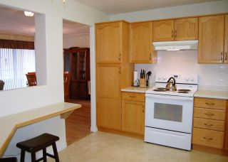 Photo 4: #704 2265 ATKINSON Street, in Penticton: House for sale : MLS®# 191483