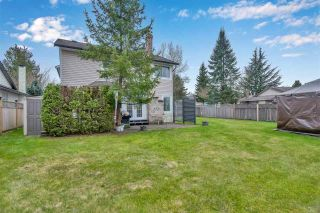 "Photo 3: 15561 94 Avenue in Surrey: Fleetwood Tynehead House for sale in ""BERKSHIRE PARK"" : MLS®# R2546208"