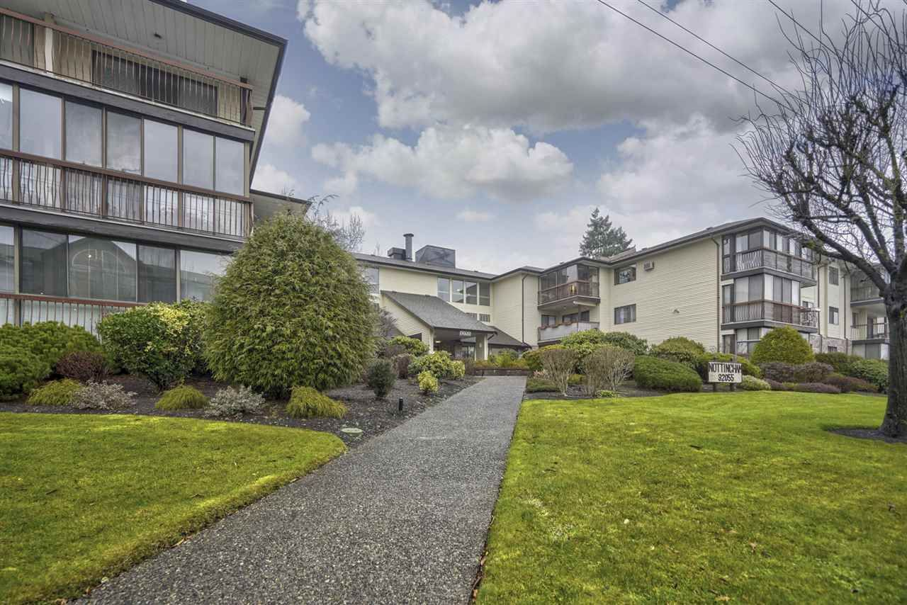 Main Photo: 304 32055 OLD YALE ROAD in : Abbotsford West Condo for sale : MLS®# R2441236