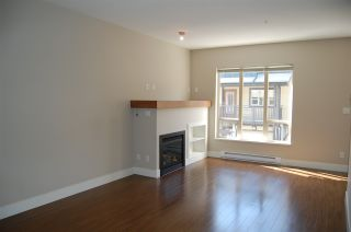 Photo 3: 1263 STONEMOUNT PLACE in Squamish: Downtown SQ Townhouse for sale : MLS®# R2049208