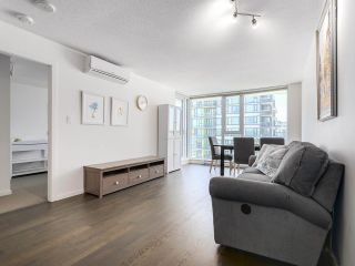"""Photo 5: 1316 7988 ACKROYD Road in Richmond: Brighouse Condo for sale in """"QUINTET"""" : MLS®# R2159738"""