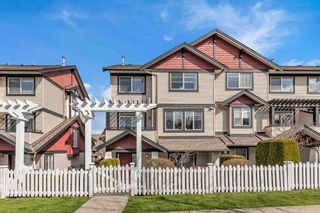 """Photo 1: 25 7168 179 Street in Surrey: Clayton Townhouse for sale in """"Ovation"""" (Cloverdale)  : MLS®# R2557791"""
