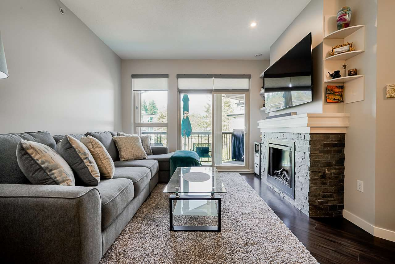 """Photo 8: Photos: 418 1150 KENSAL Place in Coquitlam: New Horizons Condo for sale in """"THOMAS HOUSE BY POLYGON"""" : MLS®# R2453457"""