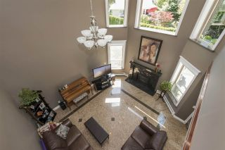 Photo 3: 426 EAGLE Street: Harrison Hot Springs House for sale : MLS®# R2134823