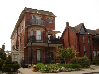 Photo 1: 1 388 Manning Avenue in Toronto: Palmerston-Little Italy House (Apartment) for lease (Toronto C01)  : MLS®# C4202261