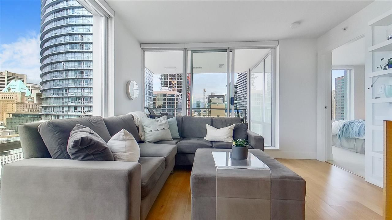 """Main Photo: 1705 565 SMITHE Street in Vancouver: Downtown VW Condo for sale in """"VITA"""" (Vancouver West)  : MLS®# R2562463"""