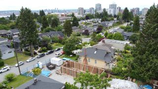 Photo 5: 416 E 16 Street in North Vancouver: Central Lonsdale House for sale : MLS®# R2591234