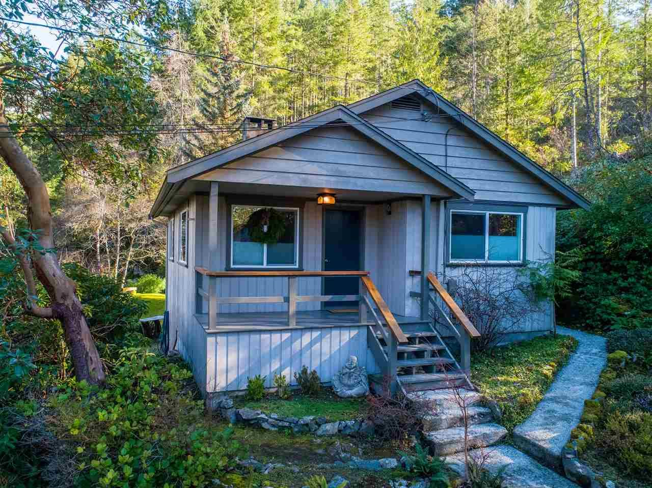 Main Photo: 4130 FRANCIS PENINSULA Road in Madeira Park: Pender Harbour Egmont House for sale (Sunshine Coast)  : MLS®# R2539519