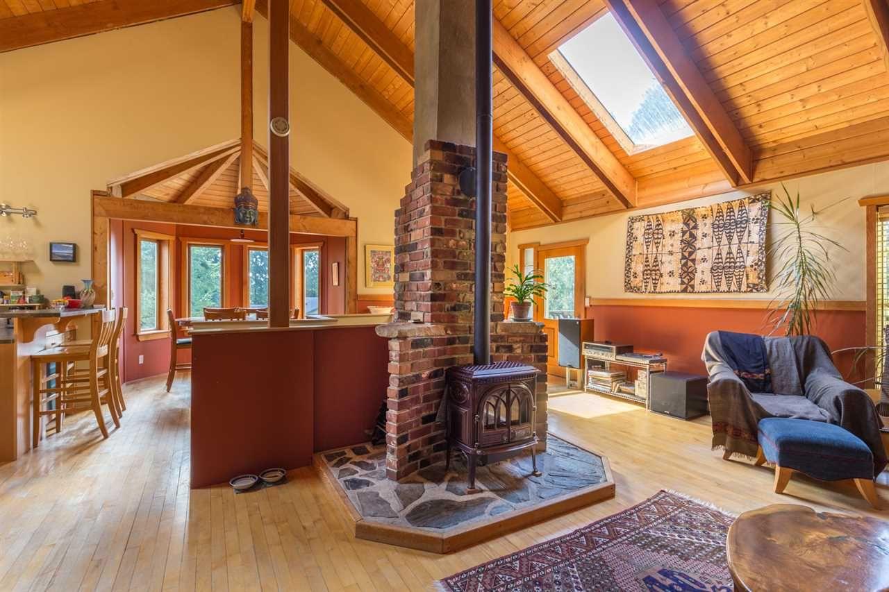 Photo 4: Photos: 1258 ROBERTS CREEK Road: Roberts Creek House for sale (Sunshine Coast)  : MLS®# R2116447