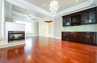 Photo 2: 8094 GILLEY AVENUE in Burnaby: South Slope House for sale (Burnaby South)  : MLS®# R2233466