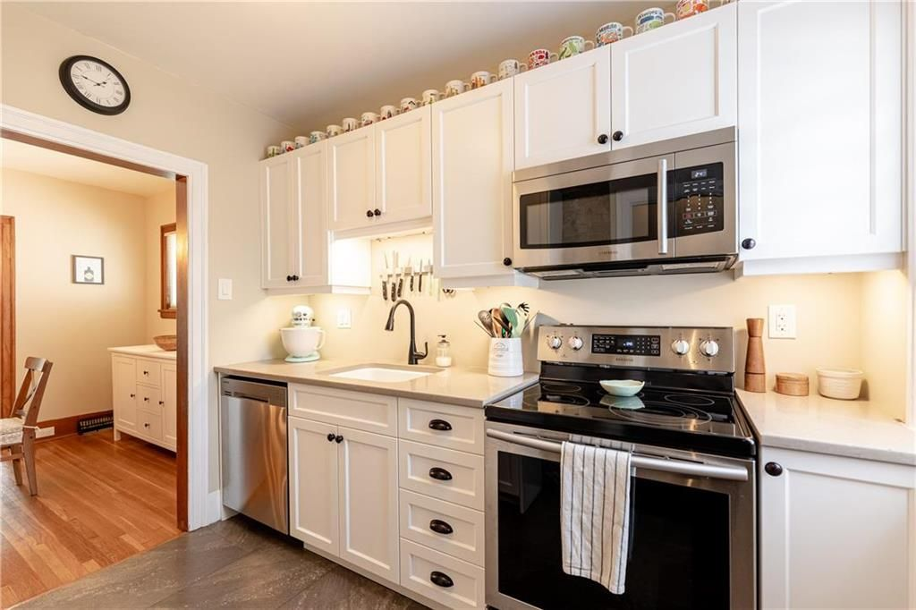 Photo 11: Photos: 292 Beaverbrook Street in Winnipeg: River Heights North Residential for sale (1C)  : MLS®# 202109631