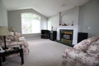"""Photo 2: 14 4740 221 Street in Langley: Murrayville Townhouse for sale in """"Eaglecrest"""" : MLS®# R2273734"""