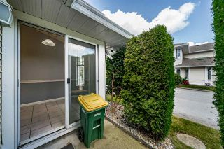 """Photo 13: 129 8737 212 Street in Langley: Walnut Grove Townhouse for sale in """"Chartwell Green"""" : MLS®# R2490439"""