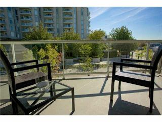 """Photo 2: 3211 33 CHESTERFIELD Place in North Vancouver: Lower Lonsdale Condo for sale in """"HARBOURVIEW PARK"""" : MLS®# V1109655"""