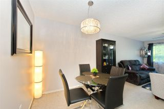 """Photo 10: 214 10662 151A Street in Surrey: Guildford Condo for sale in """"Lincoln Hill"""" (North Surrey)  : MLS®# R2501771"""