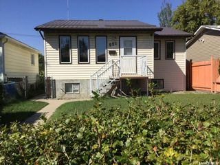 Photo 1: 921 O Avenue South in Saskatoon: King George Residential for sale : MLS®# SK848894