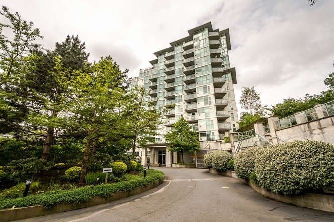Main Photo: 302 2733 CHANDLERY PLACE in Vancouver: Fraserview VE Condo for sale (Vancouver East)  : MLS®# R2169175
