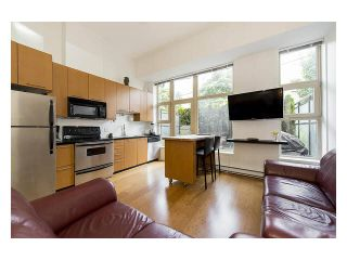 """Photo 4: 105 205 E 10TH Avenue in Vancouver: Mount Pleasant VE Condo for sale in """"The Hub"""" (Vancouver East)  : MLS®# V1082695"""