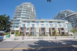 Photo 1: 908 15165 THRIFT Avenue in Surrey: White Rock Condo for sale (South Surrey White Rock)  : MLS®# R2612280