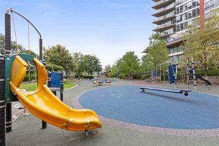 "Photo 16: 801 918 COOPERAGE Way in Vancouver: Yaletown Condo for sale in ""THE MARINER"" (Vancouver West)  : MLS®# R2276404"