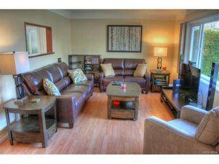 Photo 8: 1029-1031 Colville Rd in VICTORIA: Es Rockheights Full Duplex for sale (Esquimalt)  : MLS®# 749288