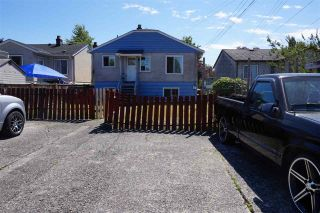 Photo 3: 2549 E 16TH Avenue in Vancouver: Renfrew Heights House for sale (Vancouver East)  : MLS®# R2168584