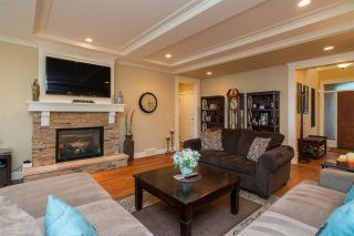 """Photo 2: 35832 TREETOP Drive in Abbotsford: Abbotsford East House for sale in """"Highlands"""" : MLS®# R2236757"""