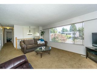 Photo 4: 12085 GEE STREET in Maple Ridge: East Central House for sale : MLS®# R2303678