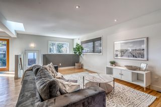Photo 3: 2907 13 Avenue NW in Calgary: St Andrews Heights Detached for sale : MLS®# A1137811