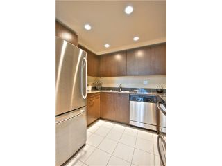 """Photo 6: 1403 1212 HOWE Street in Vancouver: Downtown VW Condo for sale in """"1212 Howe"""" (Vancouver West)  : MLS®# V1000365"""