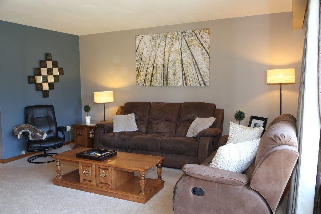 Photo 4: Photos: 407 Wallasey Street in WINNIPEG: Grace Hospital Area Single Family Detached for sale (West Winnipeg)  : MLS®# 1426170