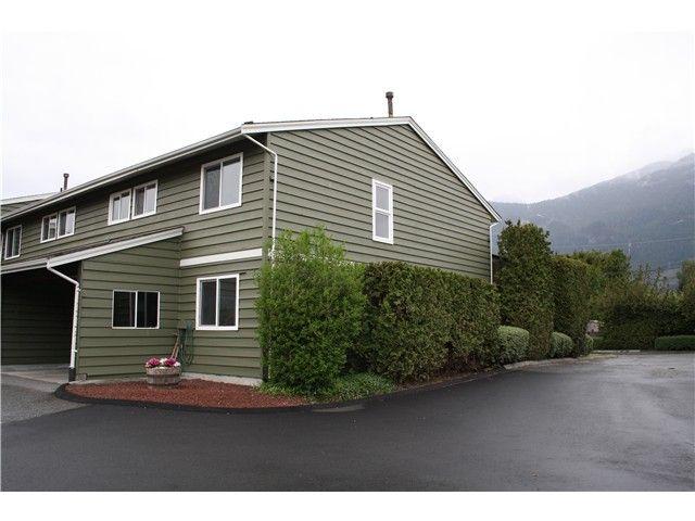 Main Photo: # 8 38397 BUCKLEY AV in Squamish: Dentville Townhouse for sale : MLS®# V1118936