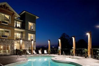 Photo 1: 310B 1800 Riverside Lane in Courtenay: CV Courtenay City Condo for sale (Comox Valley)  : MLS®# 886652