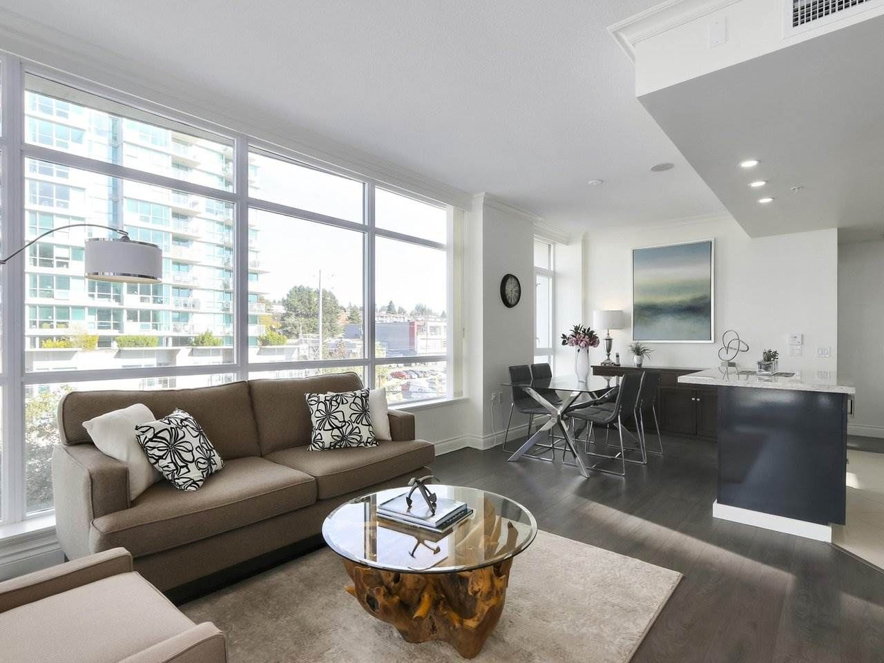 """Photo 4: Photos: 608 172 VICTORY SHIP Way in North Vancouver: Lower Lonsdale Condo for sale in """"Atrium at the Pier"""" : MLS®# R2454404"""