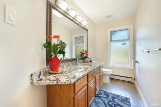 Photo 18: 13976 MARINE Drive: White Rock House for sale (South Surrey White Rock)  : MLS®# R2552761