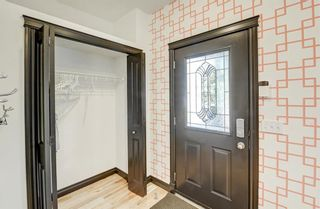 Photo 5: 1, 3421 5 Avenue NW in Calgary: Parkdale Row/Townhouse for sale : MLS®# A1057413