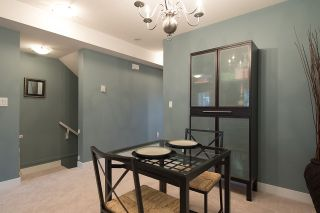 """Photo 4: 24 6555 192A Street in Surrey: Clayton Townhouse for sale in """"THE CARLISLE"""" (Cloverdale)  : MLS®# R2030709"""