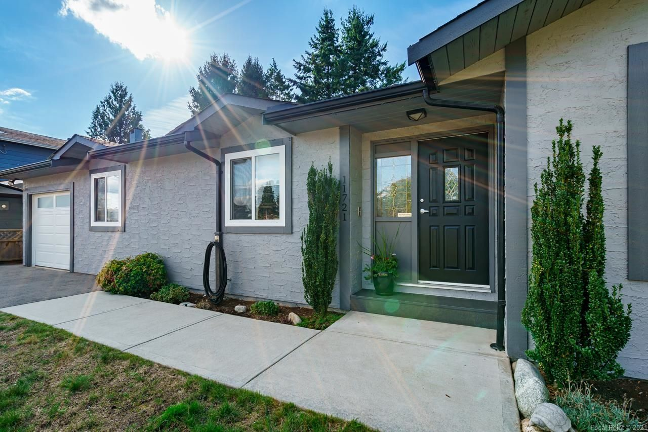 Main Photo: 11721 BLAKELY Road in Pitt Meadows: South Meadows House for sale : MLS®# R2624937
