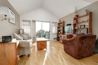 """Photo 4: 313 5335 HASTINGS Street in Burnaby: Capitol Hill BN Condo for sale in """"THE TERRACES"""" (Burnaby North)  : MLS®# R2327030"""