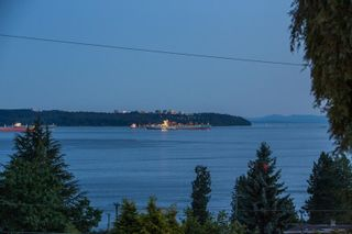 """Photo 39: 2685 LAWSON Avenue in West Vancouver: Dundarave House for sale in """"DUNDARAVE"""" : MLS®# R2616310"""