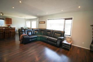 Photo 4: 38 Brittany Drive in Winnipeg: Residential for sale (1G)  : MLS®# 202104670