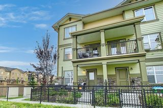 Photo 1: 111 Evanscrest Gardens NW in Calgary: Evanston Row/Townhouse for sale : MLS®# A1135885