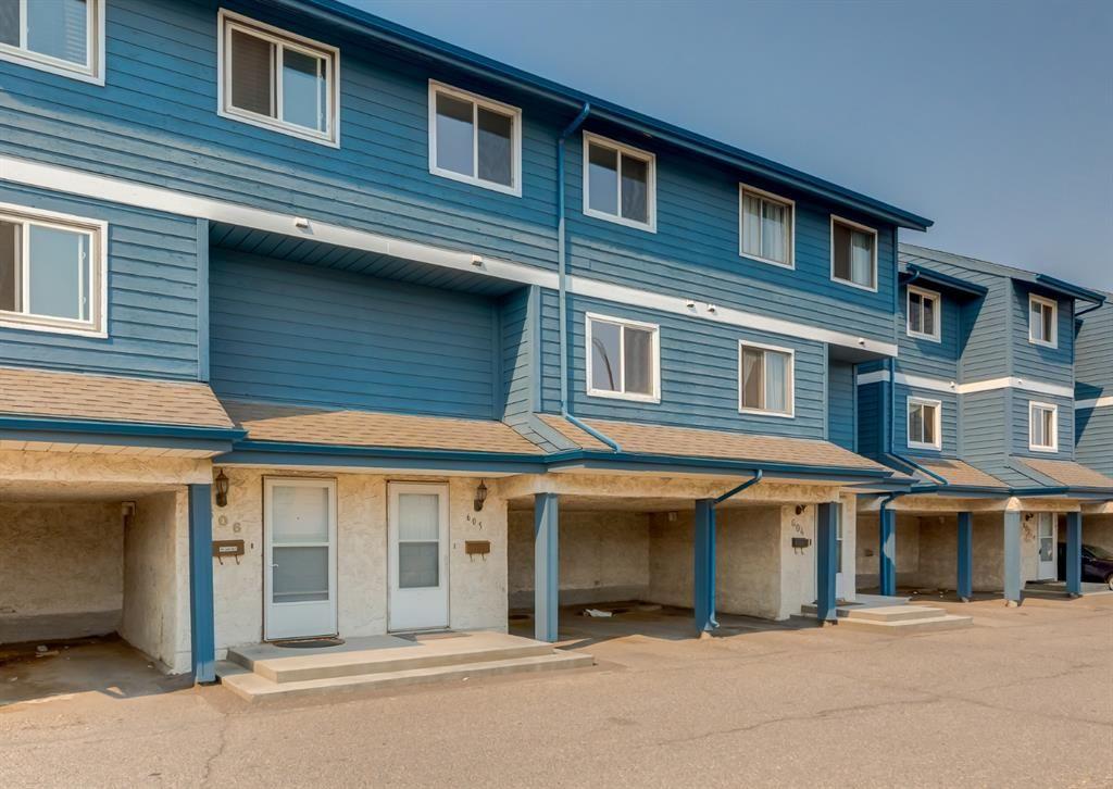 Main Photo: 605 919 38 Street NE in Calgary: Marlborough Row/Townhouse for sale : MLS®# A1133516