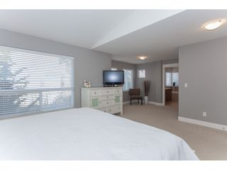 """Photo 10: 20141 68A Avenue in Langley: Willoughby Heights House for sale in """"Woodbridge"""" : MLS®# R2354583"""