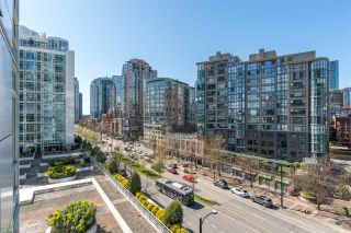"Photo 13: 801 198 AQUARIUS Mews in Vancouver: Yaletown Condo for sale in ""Aquarius II."" (Vancouver West)  : MLS®# R2575531"