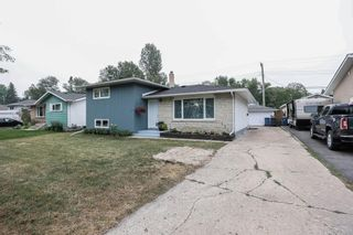 Photo 2: 24 Weaver Bay in Winnipeg: Norberry Residential for sale (2C)  : MLS®# 202117861