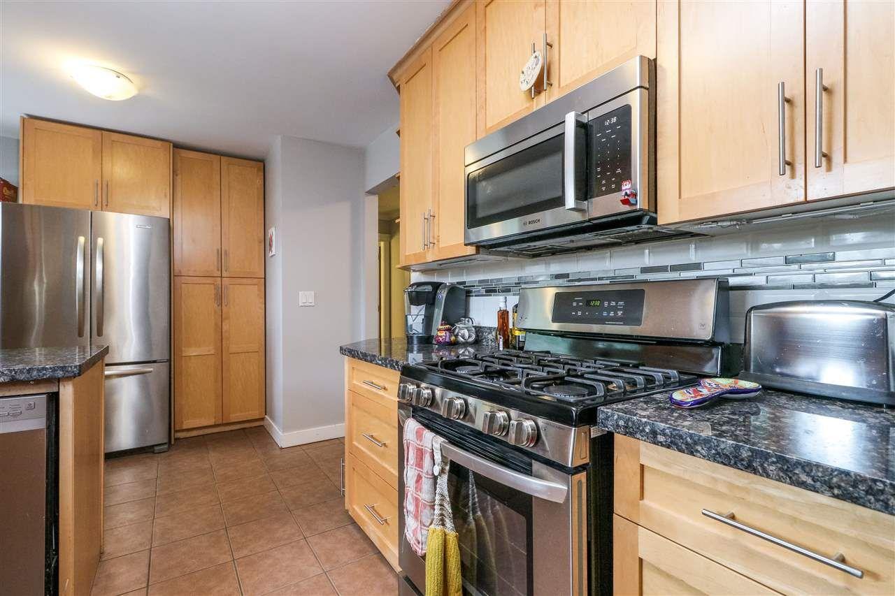 Photo 7: Photos: 11664 209 Street in Maple Ridge: Southwest Maple Ridge House for sale : MLS®# R2278498